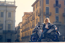 2020-Yamaha-MW125-EU-Icon_Grey-Static-003-03