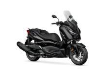 2020-Yamaha-XMAX400ASP-EU-Power_Black-Studio-001-03