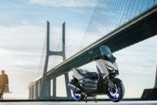 2021-Yamaha-XMAX300-EU-Icon_Grey-Static-001-03