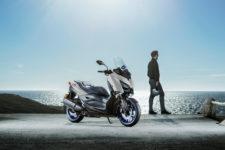 2021-Yamaha-XMAX300-EU-Icon_Grey-Static-003-03