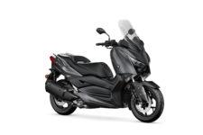 2021-Yamaha-XMAX300-EU-Sonic_Grey-Studio-001-03