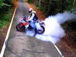 yamaha r1 palenie gumy moto46