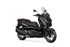 2020-Yamaha-XMAX300ASP-EU-Power_Black-Studio-001-03