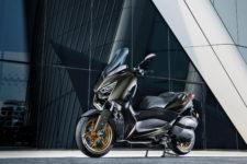 2020-Yamaha-XMAX300ASP-EU-Tech_Kamo-Static-005-03