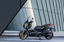 2020-Yamaha-XMAX300ASP-EU-Tech_Kamo-Static-007-03