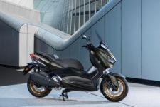 2020-Yamaha-XMAX300ASP-EU-Tech_Kamo-Static-008-03