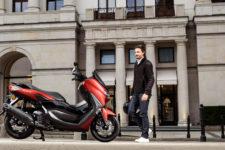 2021-Yamaha-G125YM-EU-Anodized_Red-Static-001-03