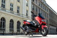 2021-Yamaha-G125YM-EU-Anodized_Red-Static-005-03