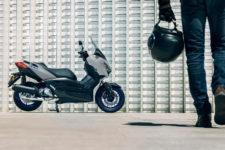 2021-Yamaha-XMAX125-EU-Icon_Grey-Static-002-03