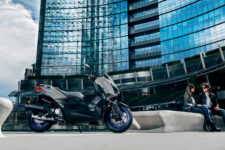2021-Yamaha-XMAX125-EU-Icon_Grey-Static-005-03