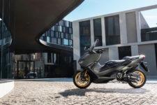 2020-Yamaha-XP500ADX-EU-Tech_Kamo-Static-002-03
