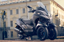 2021-Yamaha-MW300-EU-Detail-001-03_Mobile